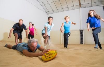Jouer au Beach Rugby chez D'Sport & Co - Beach Indoor unique à Nantes