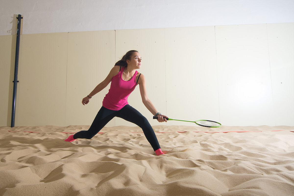 Jouer au Beachminton sur notre Beach Indoor unique à Nantes - D'Sport & Co